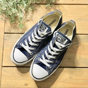 Converse Chuck Taylor All Star Navy Sneakers